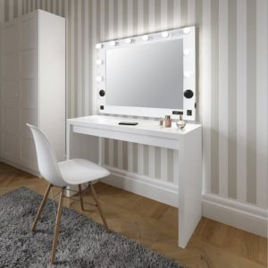hollywood lighted vanity
