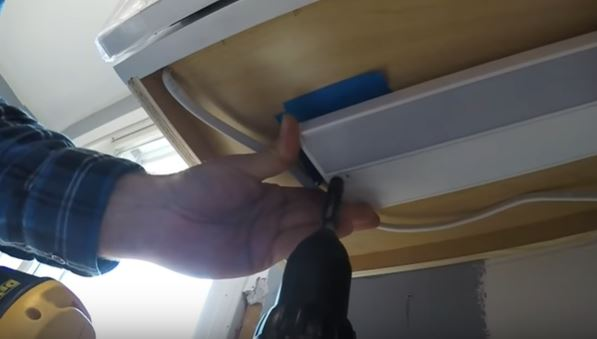 How to Install Under Cabinet Lighting - Lighting Tutor Hard Wired Low Voltage Transformer Wiring Diagram Under Cab Lightingwith on